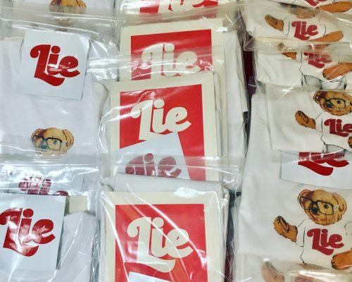 LIER BEAR. 2ª Edición camisetas Lie. 50 unidades firmadas y numeradas