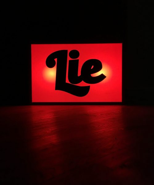 LIGHT BOX LIE